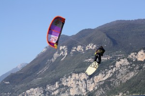 kitesurfing in lake garda