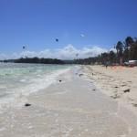 kiteboarders-in-boracay