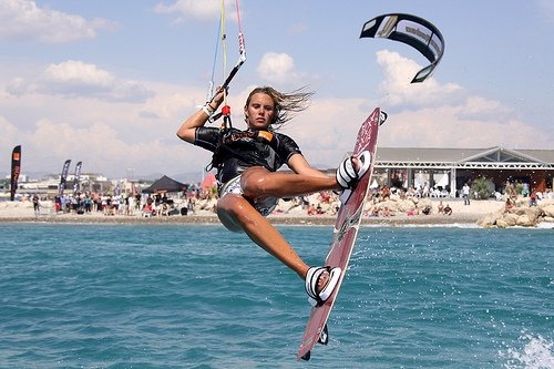 kitesurfing-kiteboarding-girls-27