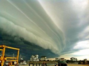 shelf cloud over Hatteras